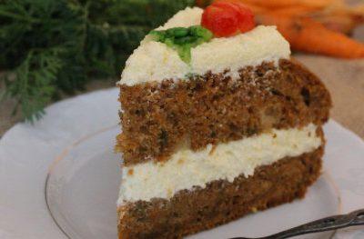 Ciasto marchewkowe z kremem z kaszy manny