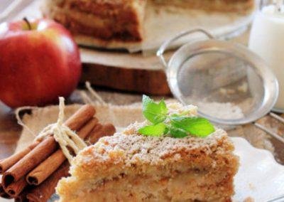 Szarlotka sypana – jabłecznik z kaszy manny