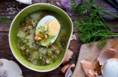 Zupa koperkowa z jajkiem i kaszą kuskus