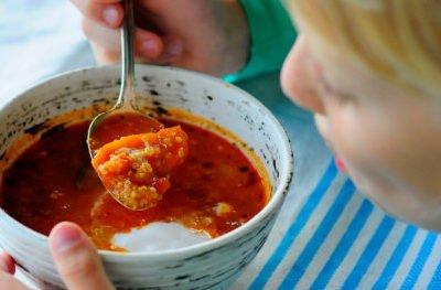 Pyszna, gęsta pomidorowa z jaglanką – też ją polubisz!